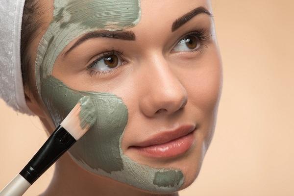 Uporaba gline v kozmetiki (z domačimi maskami)