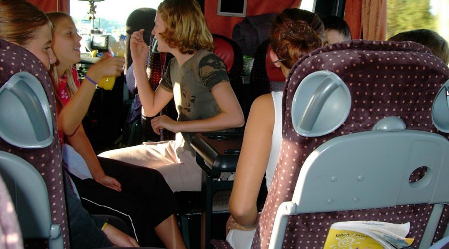 Leteči avtobus - ZPM Mb s programom tudi za mladostnike