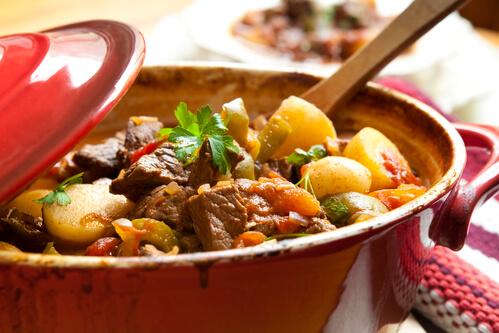 Hrana, ki greje telo: katera živila in začimbe imajo grelni učinek?