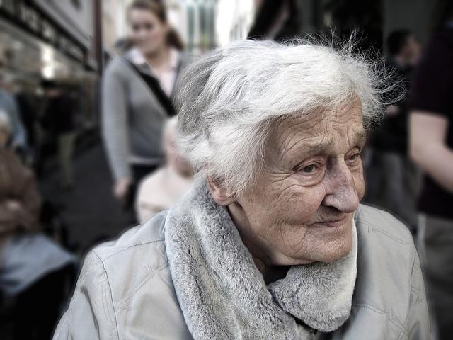 Začel se je čezmejni projekt za izboljšanje kakovosti življenja oseb z demenco