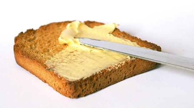 Inštitut za nutricionistiko ob začetku projekta Trans maščobe v živilih: margarine praktično ne vsebujejo več škodljivih maščob