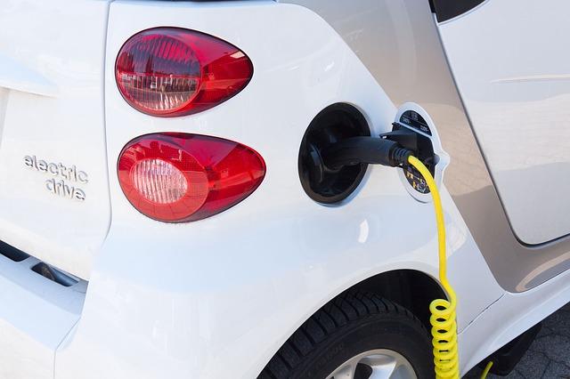 Nov razpis za spodbude za električno mobilnost