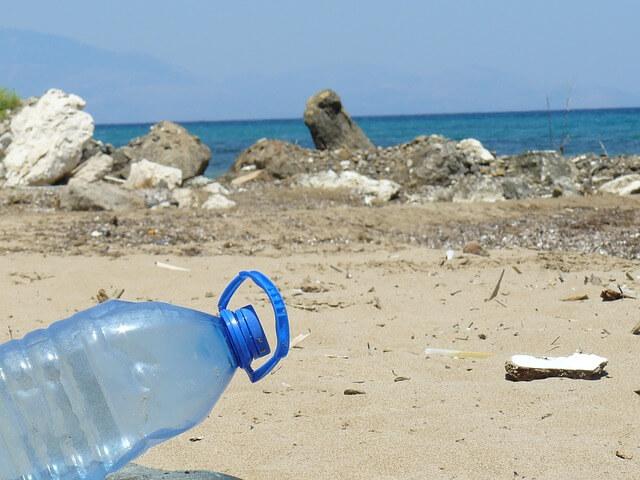 Odpadki v slovenskem morju: problem mikroplastike
