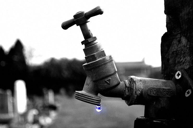 Vendarle potrjen vpis pravice do pitne vode v ustavo
