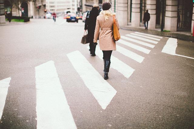 Kakšna je zdrava hitrost hoje in kolesarjenja v mestu?