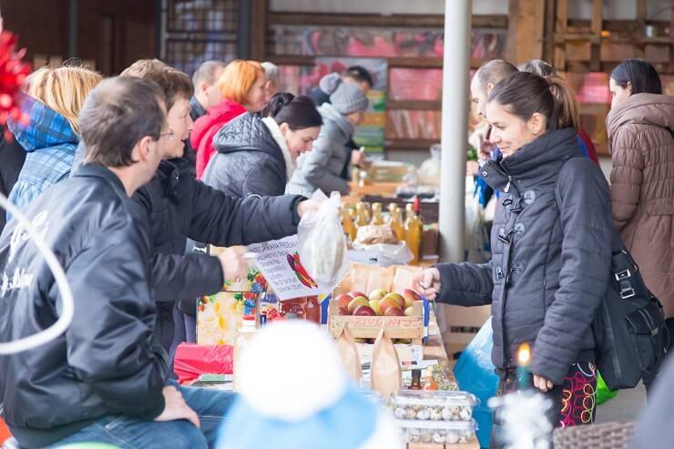 Nakupujmo skupaj: skupnostno naročanje slovenskih ekoloških pridelkov
