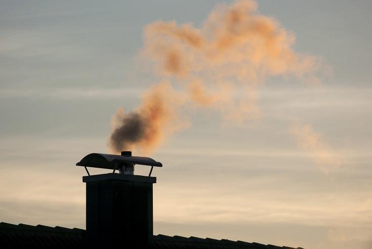 Za zadnji dan v letu spet napovedana preseganja vrednosti prašnih delcev