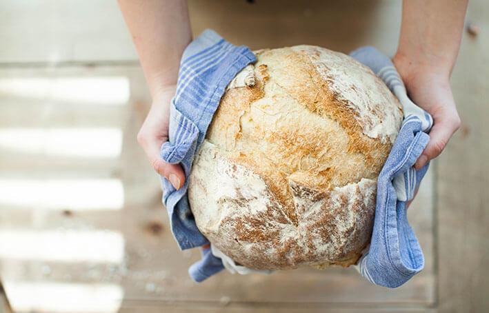 Delavnica peke kruha v krušni peči