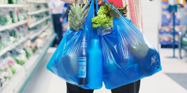 Predlog Ministrstva za prepoved brezplačnih plastičnih vrečk