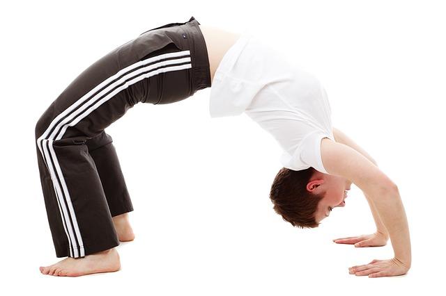 3 vaje za gibljivost in in preprečevanje bolečin v hrbtu zaradi sedenja