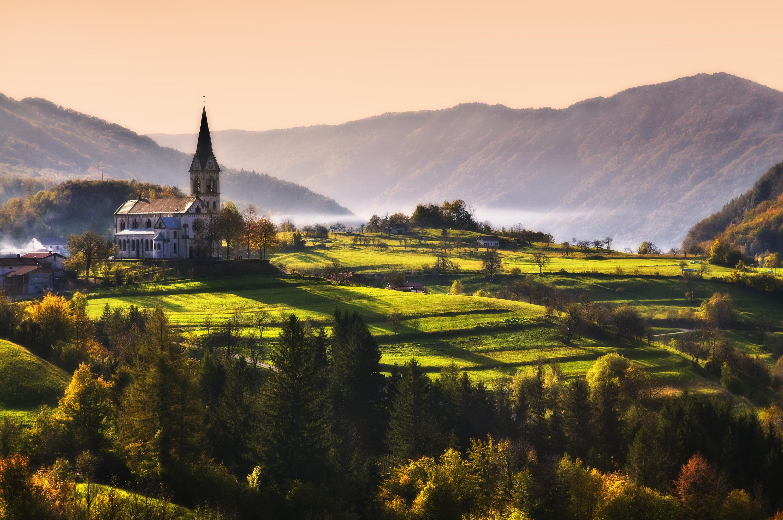 Namig za izlet - Pod vršaci Julijskih Alp: raziščimo Sočo