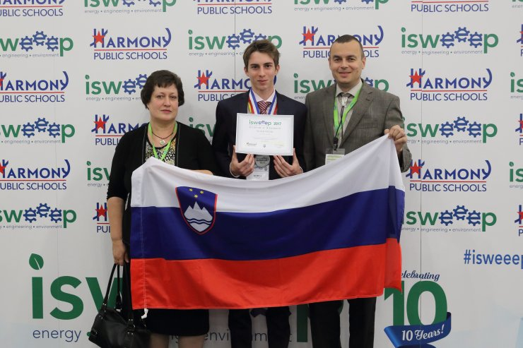 Slovenski dijak s srebrno medaljo na srednješolski olimpijadi v ZDA