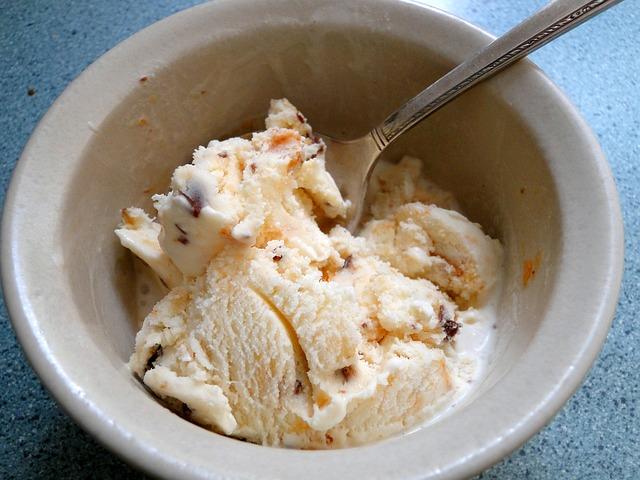 Sladoled, poln zdravja: iz kokosovega mleka in kurkume!