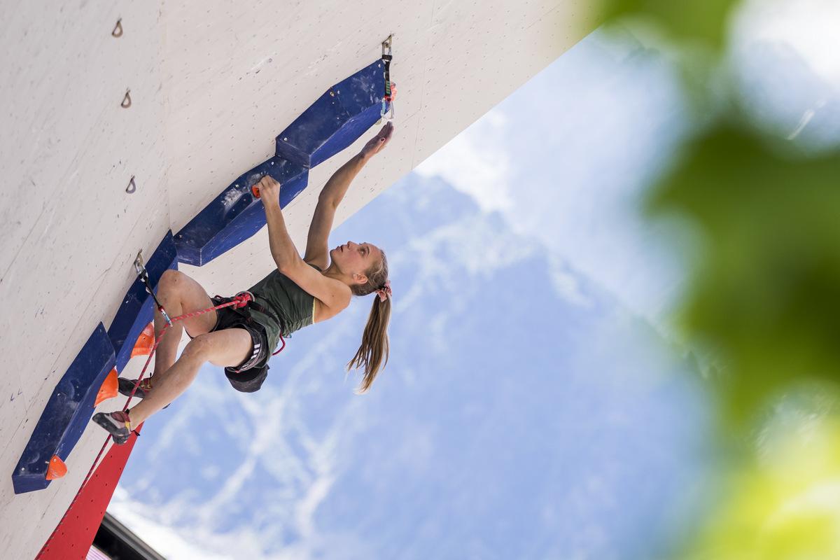 Janja Garnbret zmagovalka Chamonixa, Mia Krampl do uspeha kariere