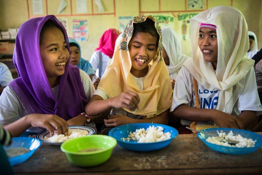 Mastercard in Svetovni program za hrano oznanila globalno pobudo: 100 milijonov šolskih obrokov