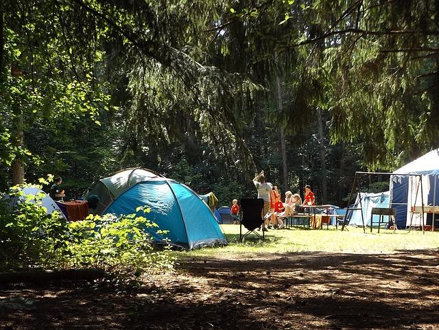 5 idej za kampiranje z otroki