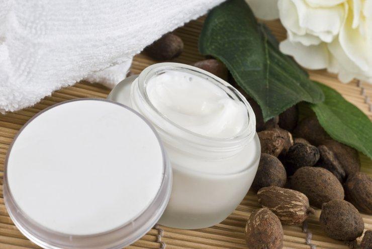 Karitejevo maslo - dišeča pomoč koži