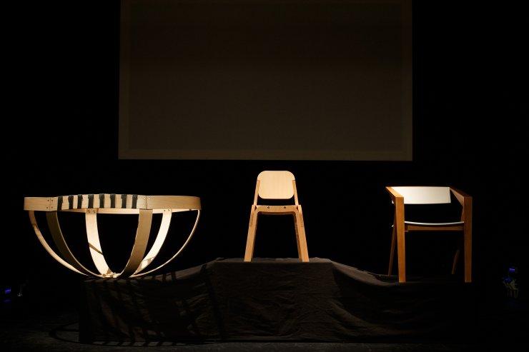 Festival lesa: 1. nagrada (Pra)stol v Indijo, 2. slovenskemu stolu Ziba