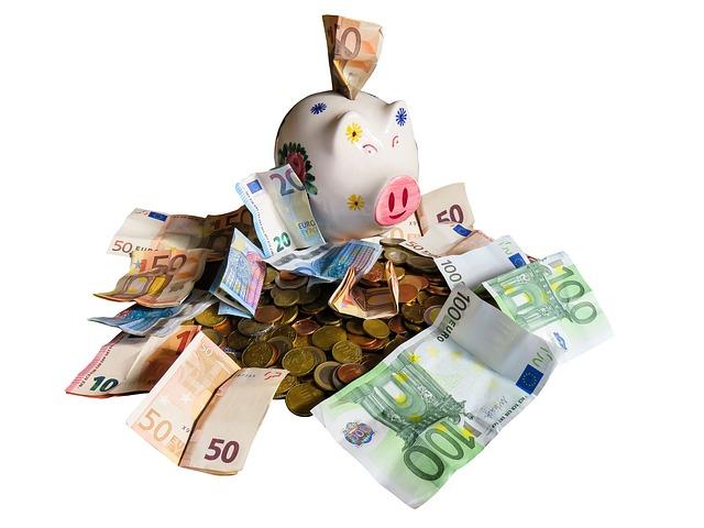 Svetovni dan varčevanja: Slovenska gospodinjstva med najvarčnejšimi v Evropi