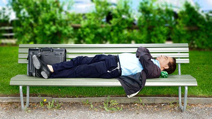 Ljudje, starejši od 40 let, morajo delati le tri dni na teden, pravijo strokovnjaki