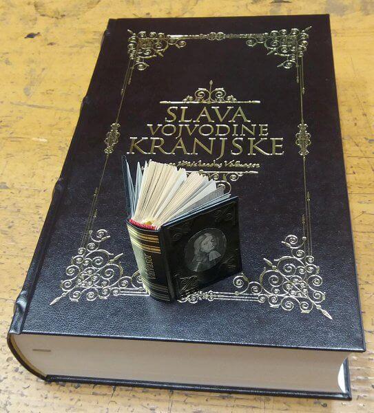 Miniaturne knjige - na ogled do konca tedna
