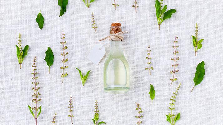 5 eteričnih olj, ki vam pomagajo ponastaviti hormone v telesu