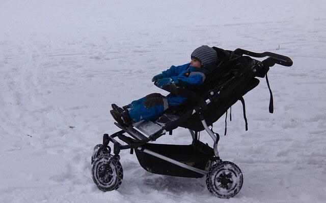 stroller-2809297_640