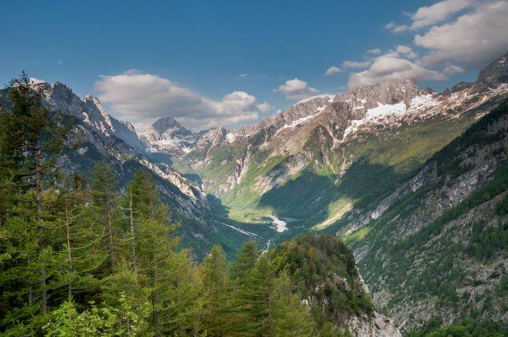 Slovenija med 25 najbolj bogatih, zdravih in srečnih držav na svetu