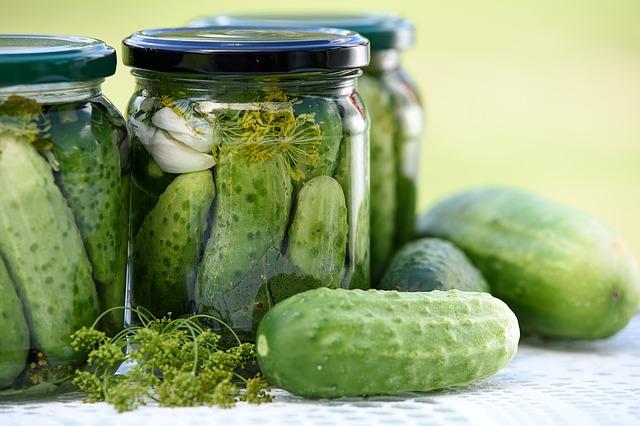 pickled-cucumbers-1520638_640