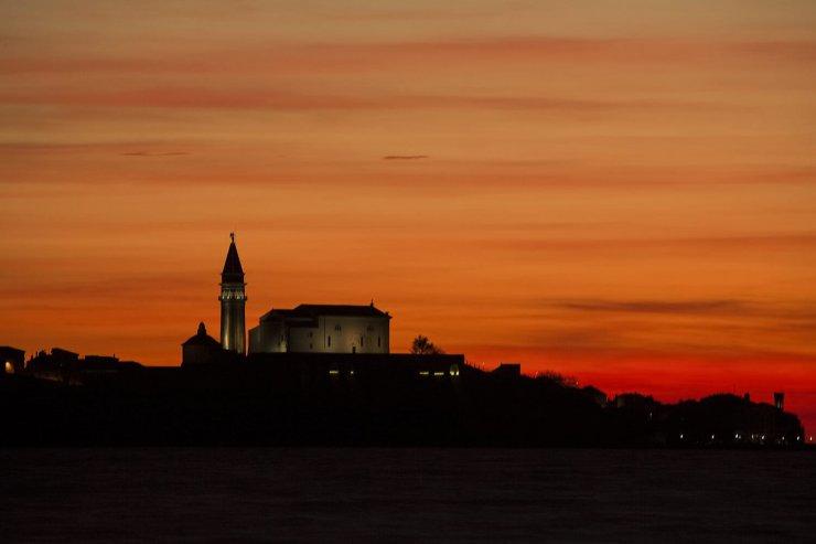 Lonely Planet je ta vikend navduševal s sončnimi vzhodi in zahodi v Sloveniji