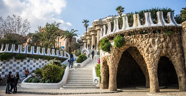 guell-park-1157681_640