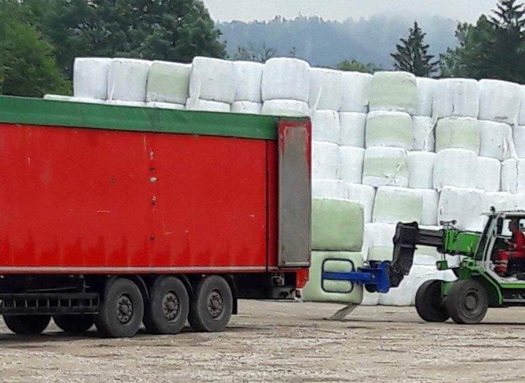 Vaščani v Občini Domžale so šli v akcijo: dovoz smeti ustavljen, kaj bo z deponijo?