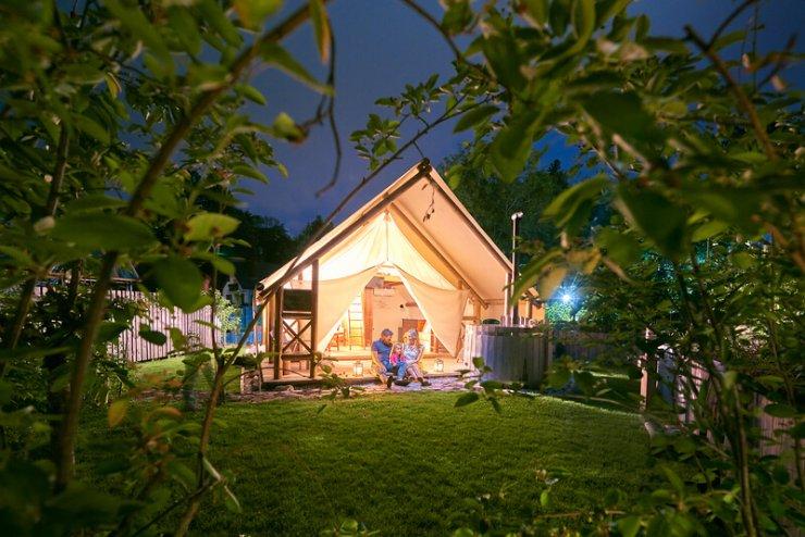 Prvi 6-zvezdični glamping na svetu je - Garden Village Bled