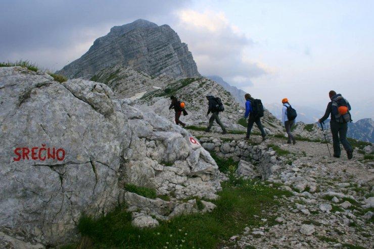 Kako ravnati, če nas v gorah ujame nevihta ali se izgubimo