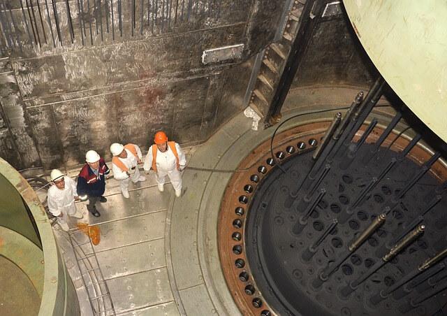 nuclear-power-plant-1551268_640