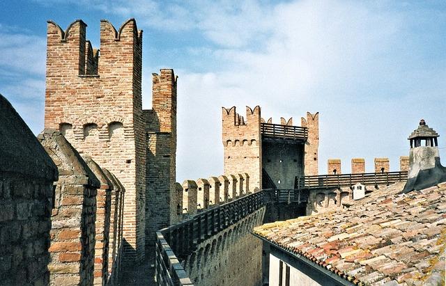 castle-747102_640