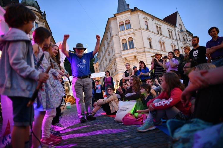 Projekt »Noč ima svojo moč« bo gostoval v 21. krajih po Sloveniji