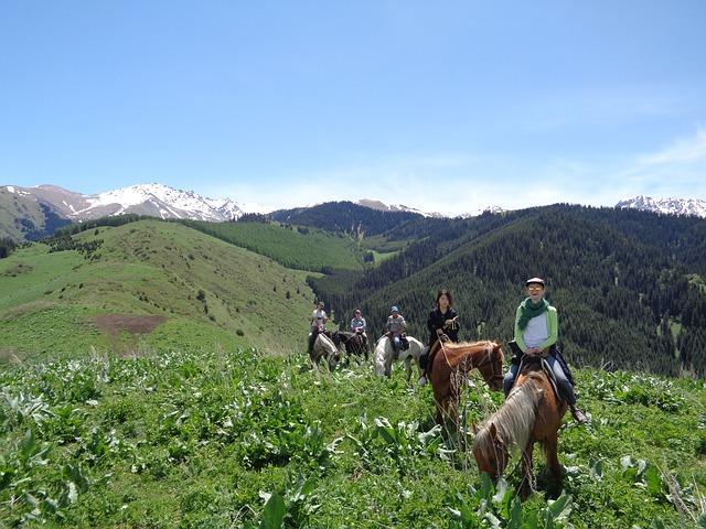 horse-riding-tour-2489482_640