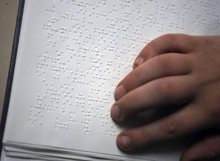 Lažji dostop do knjig za slepe in slabovidne