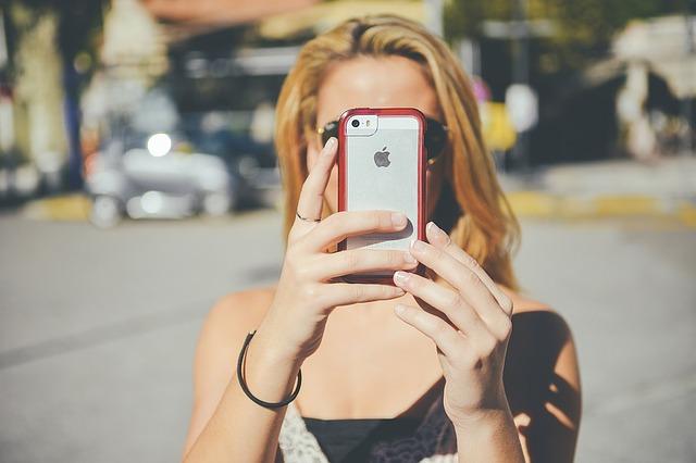 Kje na svetu so najbolj odvisni od telefonov?