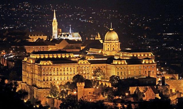 budapest-1814953_640