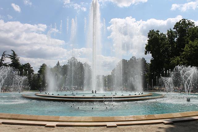 fountain-1733837_640