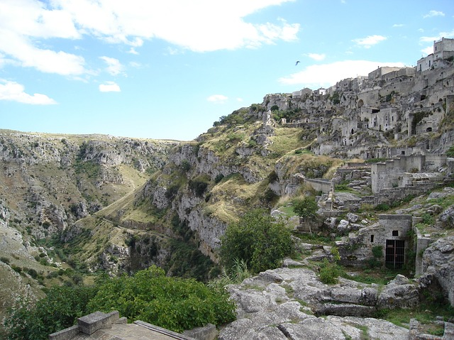 matera-caves-579247_640
