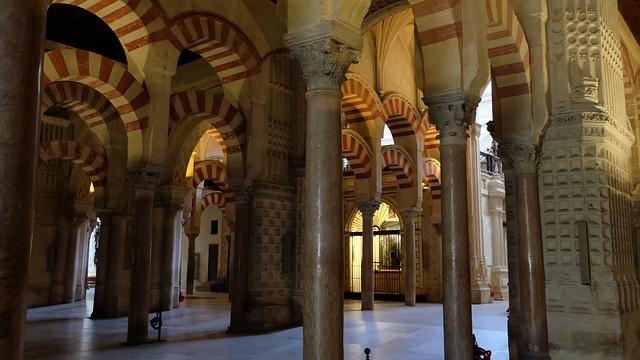 mezquita-catedral-of-cordoba-2842864_640