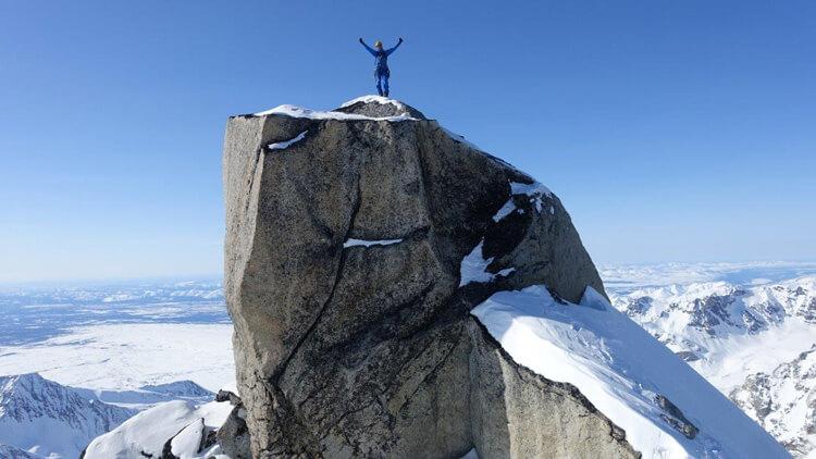 Svoljšak in Zupin z Aljaske s petimi prvenstvenimi smermi in tremi prvimi pristopi na vrh
