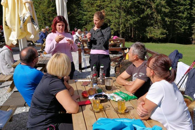 Planinstvo tudi za gluhe in slepe: vikend v znamenju planinskih prostovoljskih akcij