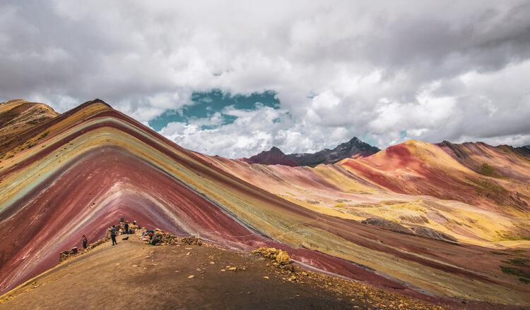 Veličastna mavrična gora v Peruju vse bolj priljubljena