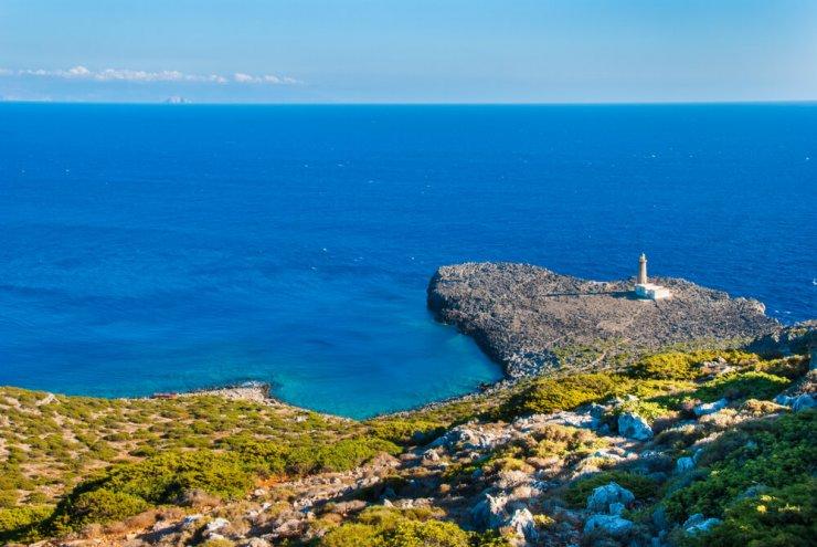 Idilični grški otok vam plača, če se preselite tja