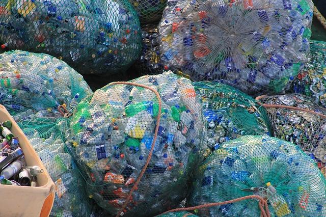 Do leta 2025 bomo v EU uporabili 10 milijonov ton reciklirane plastike