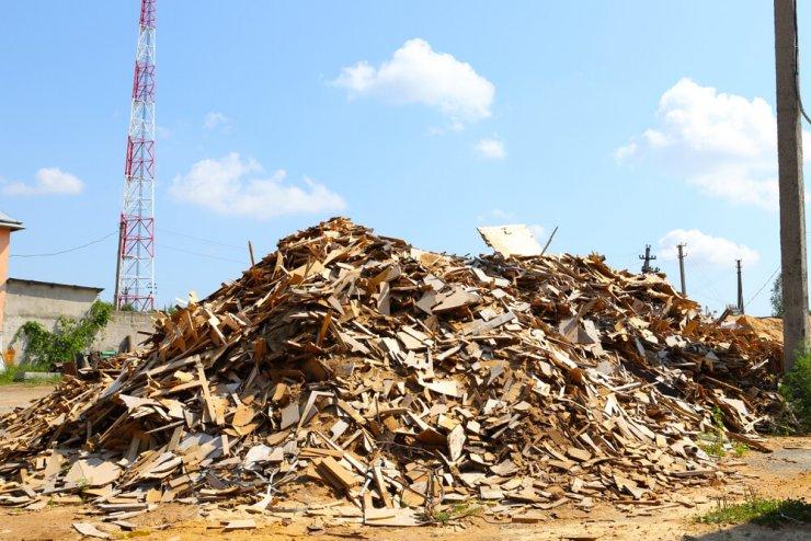 Ob gradnji hiše nastane za celo hišo odpadkov - ki nemalokrat končajo v naravi